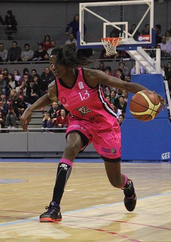 Malgré un bon match de Marie Mané, le TMB n'a pas tenu la distance face à Basket Landes (photo : Guilaume Poumarede)