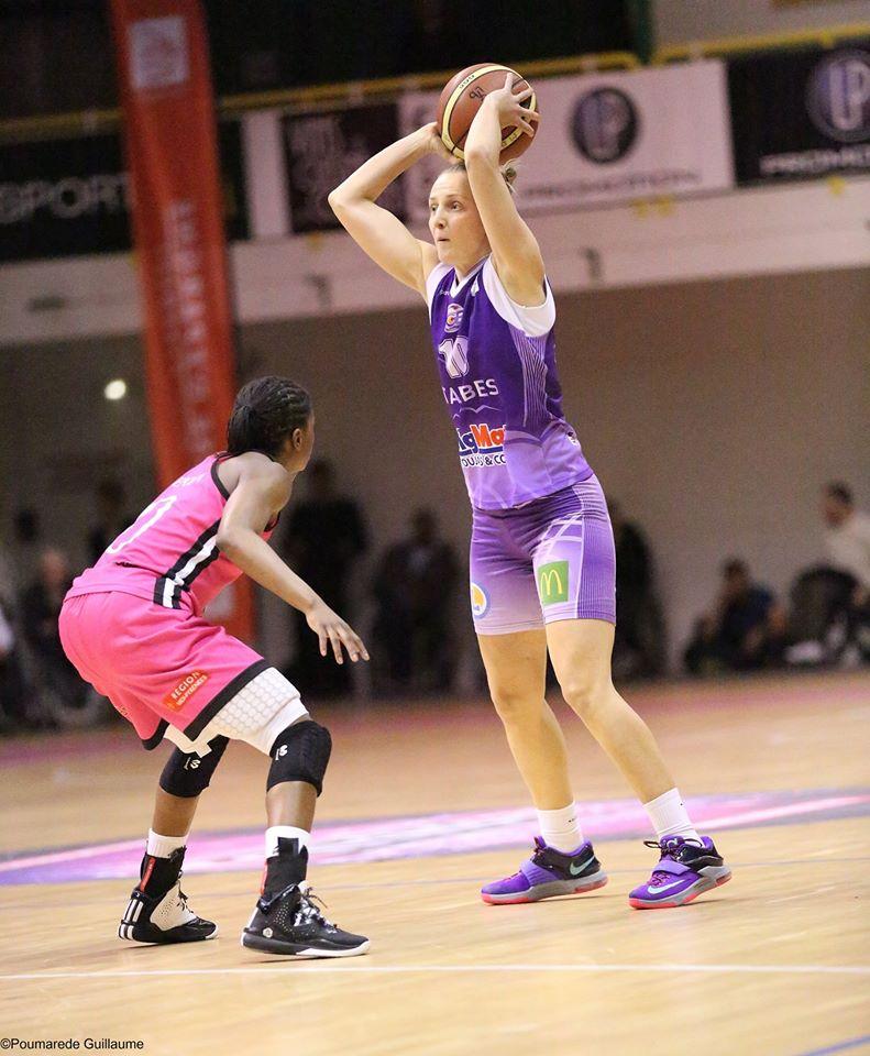 Sylvie Gurczszynski et les Tarbaises ont fait un match sérieux pour valider leur succès face à Aulnoye (photo : Guillaume Poumarede)