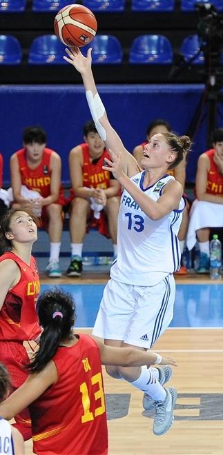 Mathilde Combes finit en trombe ce mondial U19 (photo : FIBA)