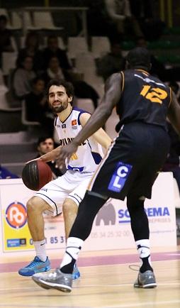 Précieux en attaque, Hugo Argueil n'a pu empêcher la défaite de son équipe face au CCBB (photo : Guillaume Poumarede)