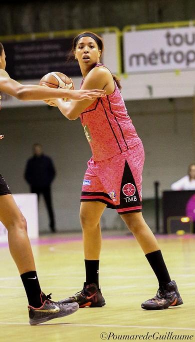 29 d'évaluation pour Tianna Hawkins et la victoire pour le TMB au Hainaut (photo : Guillaume Poumarede)