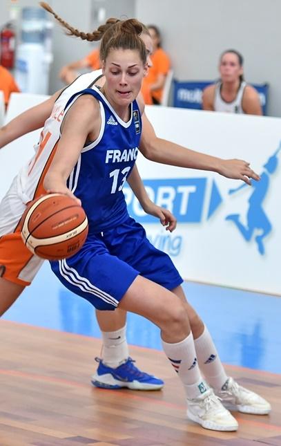 Mathilde Combes, futur coqéquipière de Camille Cirgue a Chartres, a fait partie des joueuses en vue (photo : FIBA)