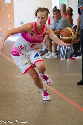 Fiona Vasseur et les Rochelaises n'ont pu rivaliser face au TGB (photo : Sébastien Clavaud)